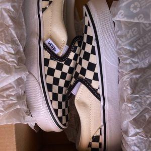 13.5 Kid Slip On Classic Checker Vans